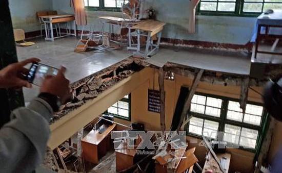 Lãnh đạo tỉnh Lâm Đồng hỗ trợ các học sinh trong vụ sập sàn trường học