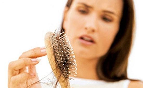 Tại sao hóa trị ung thư gây rụng tóc?