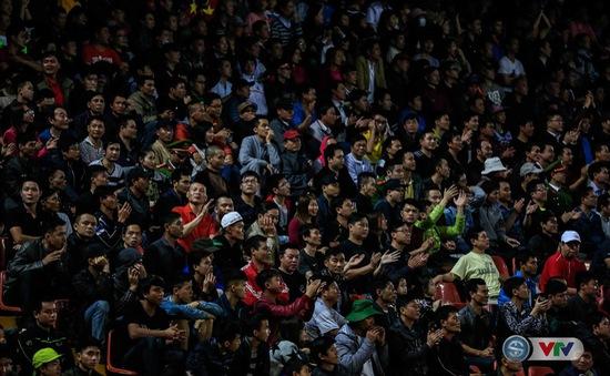 Ảnh: CĐV Hải Phòng trở lại ấn tượng sau án phạt, FLC Thanh Hoá tiếp tục bất bại