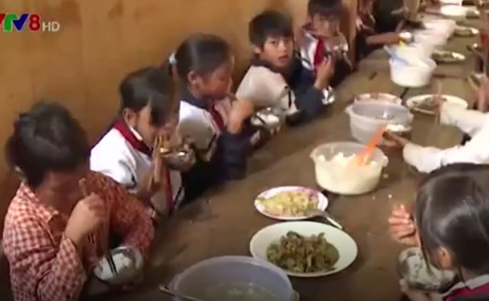 """Kon Tum: """"Thắt lưng buộc bụng"""" đầu tư cho giáo dục miền núi"""