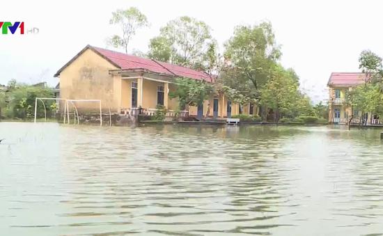 Lũ chồng lũ, người dân Thừa Thiên - Huế chồng chất khó khăn