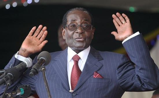Ngày 21/11, bắt đầu luận tội Tổng thống Zimbabwe Mugabe