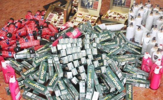 Phát hiện hàng nghìn mỹ phẩm Trung Quốc không nhãn mác nhập lậu