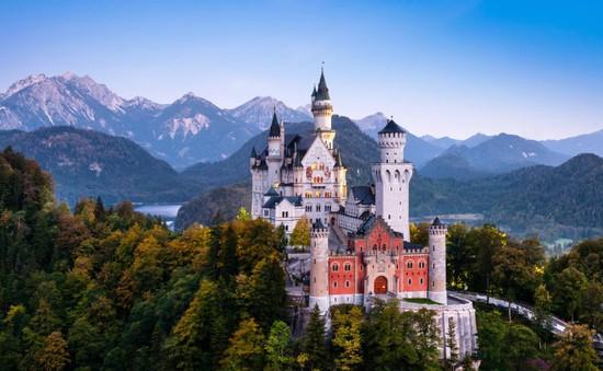 Lâu đài Neuschwanstein - Câu chuyện thần tiên ngoài đời thực