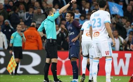 Neymar nói gì về tấm thẻ đỏ đầu tiên trong màu áo PSG?