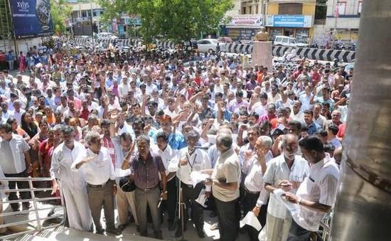 Hơn 1 triệu nhân viên ngân hàng biểu tình tại Ấn Độ