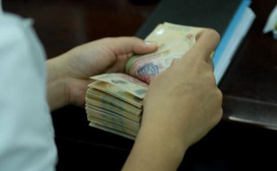 Các ngân hàng rục rịch tăng lãi suất dịp cận Tết