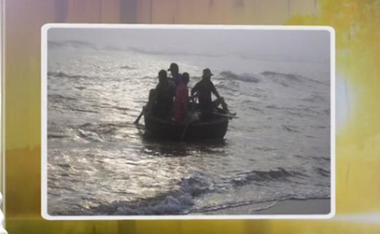 Nỗ lực tìm kiếm ngư dân mất tích ở khu vực biển Cửa Đại
