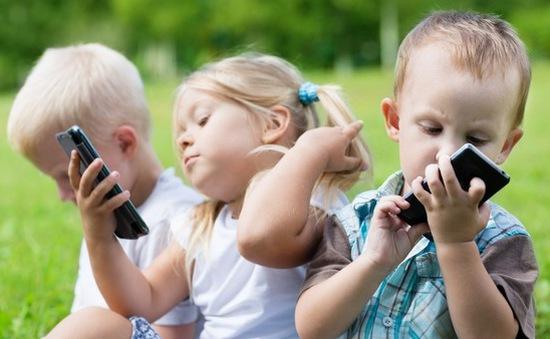 Điện thoại gây hại cho trẻ em không khác... ma túy