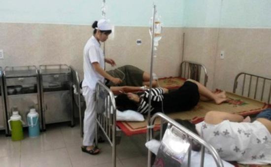 Hải Phòng: 26 người nhập viện nghi ngộ độc hải sản khi du lịch Cát Bà