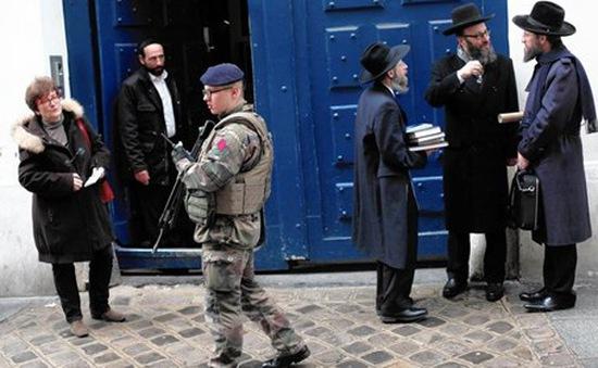 Bắt giữ hàng chục đối tượng liên quan vụ tấn công siêu thị Do Thái năm 2015