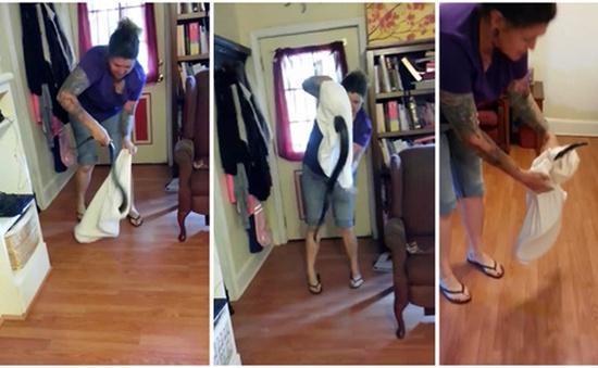 Mỹ: Người phụ nữ tay không bắt rắn đột nhập vào nhà