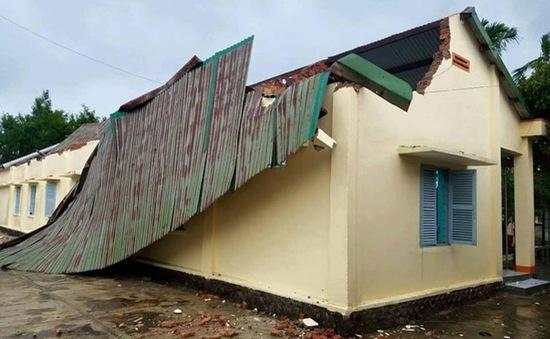 Bão số 12 vào huyện Krông Bông (Đăk Lăk): Gần 400 ngôi nhà bị tốc mái