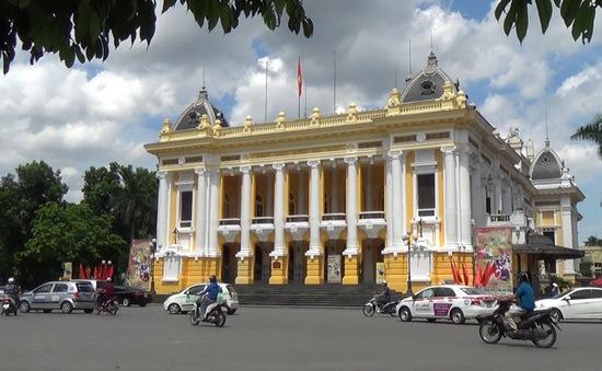 Khai trương tour du lịch tham quan Nhà hát lớn Hà Nội