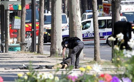 Pháp: Đối tượng đâm xe ở đại lộ Champs Elysees thuộc diện theo dõi