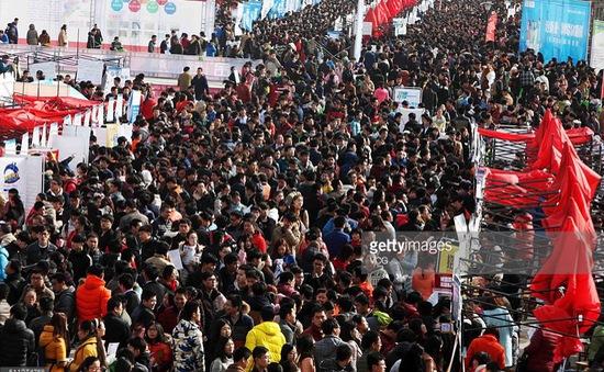 Trung Quốc: Hơn 1.000 người nộp đơn xin một công việc Nhà nước