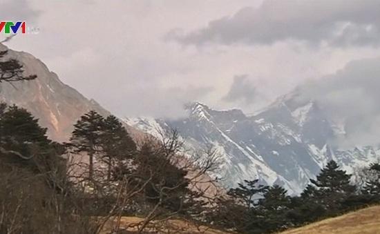 Nữ vận động viên Ấn Độ phá kỷ lục leo đỉnh Everest