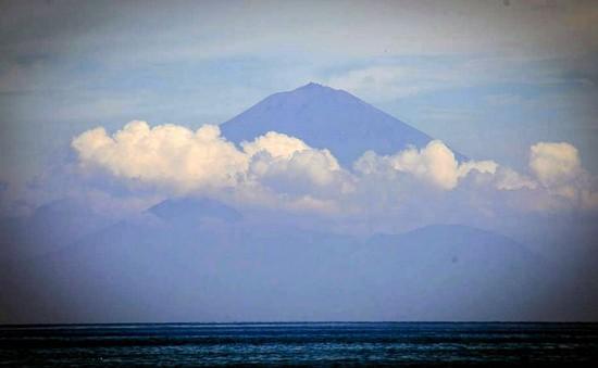 Indonesia: Thiên đường du lịch Bali lo sợ núi lửa phun trào