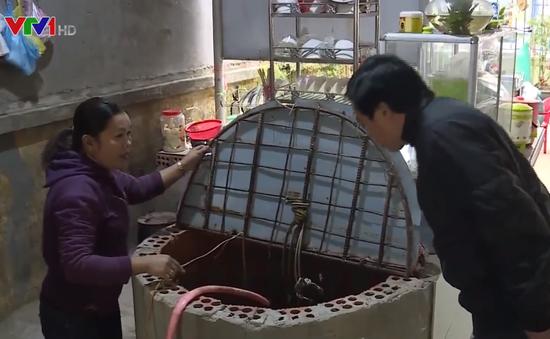 Nhiều hộ dân ở Quảng Trị sống chung với nguồn nước nhiễm xăng dầu