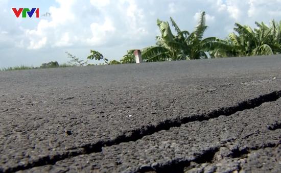 Nhiều vết nứt bất thường trên Quốc lộ 91 An Giang