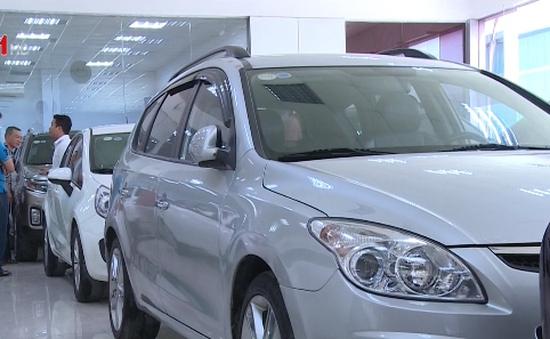 Giá xe ô tô giảm mạnh do cắt giảm thuế