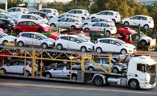 Thị trường ô tô Việt Nam diễn biến trái chiều