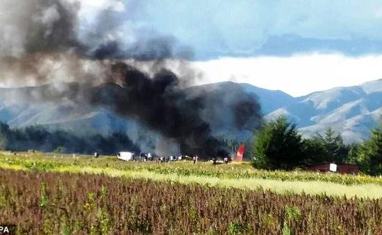 Máy bay Peru bốc cháy khi hạ cánh