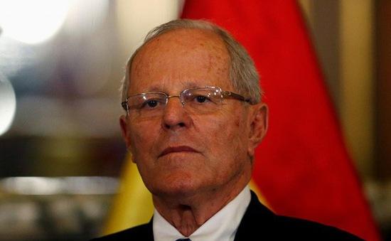 Tổng thống Peru Kuczynski vượt qua phiên luận tội tại Quốc hội