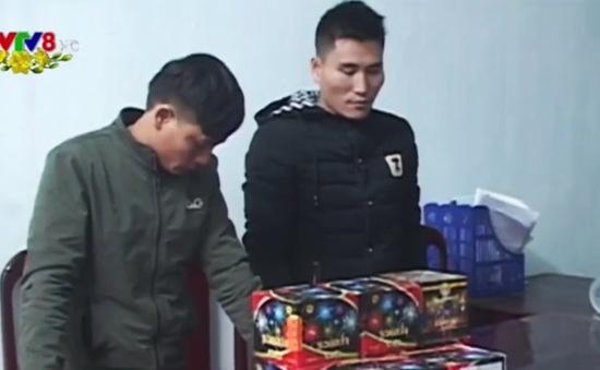 Hà Tĩnh: Bắt hai đối tượng buôn pháo lậu