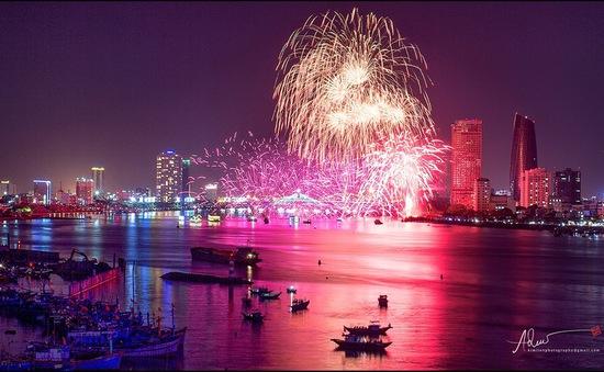 TRỰC TIẾP Chung kết và Bế mạc Lễ hội Pháo hoa quốc tế Đà Nẵng 2017 (20h10, VTV1)