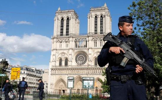 Pháp thành lập lực lượng đặc nhiệm chống khủng bố
