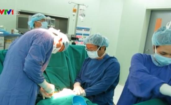 Ca ghép tế bào gốc chữa xơ phổi đầu tiên