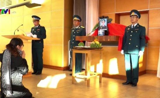Thi hài Thiếu tá phi công Nguyễn Thành Trung được hỏa táng tại Anh