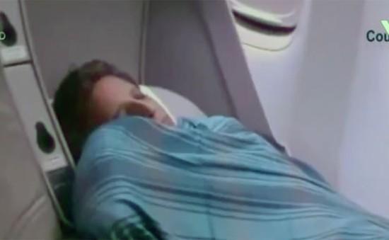 Đuổi việc cơ trưởng bỏ chuyến bay giữa chừng để ngủ