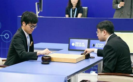 Không có bất kỳ điểm yếu nào, trí tuệ nhân tạo AlphaGo lại giành chiến thắng