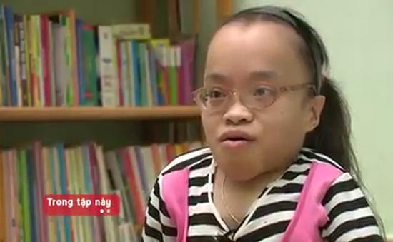 Nghị lực phi thường của cô bé bị nhiễm chất độc màu da cam