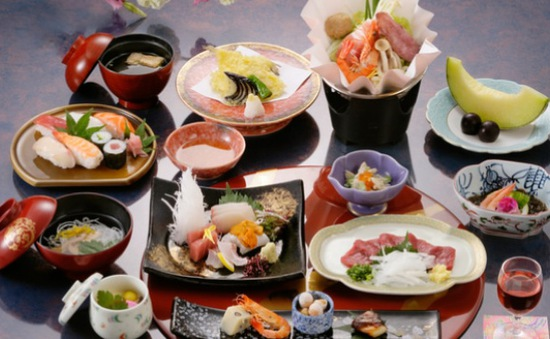 6 thói quen ăn uống giúp phụ nữ Nhật không lo béo