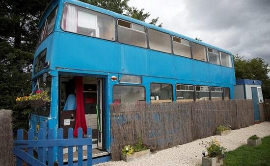 Độc đáo ngôi nhà sang trọng và tiện nghi trên chiếc xe buýt hai tầng