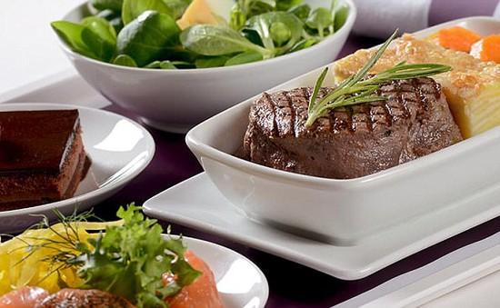 Thưởng thức phần đồ ăn ngon nhất trên các hãng hàng không thế giới