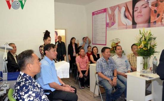 Trường dạy nghề cho người Việt tại Đức khai giảng khóa đầu tiên