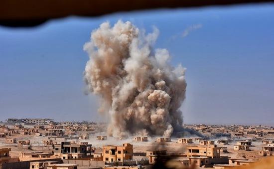 Syria: Liên quân không kích Deir ez-Zor, 14 dân thường thiệt mạng