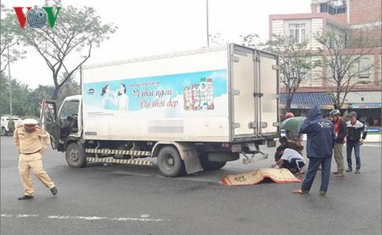 Một cụ già bị xe tải đâm tử vong tại chỗ