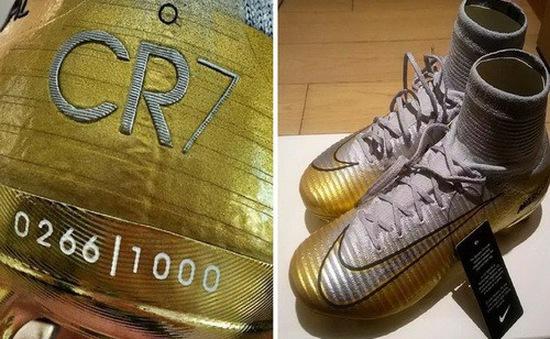 """Nike tung giày """"độc"""" mừng Quả bóng vàng Ronaldo"""