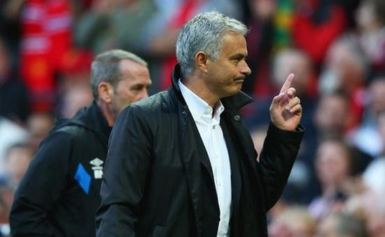 """""""Mourinho là Floyd Mayweather của bóng đá"""""""