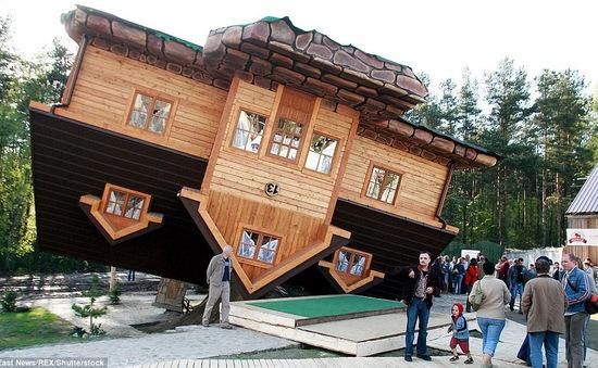 Nhũng ngôi nhà lộn ngược nổi tiếng thế giới