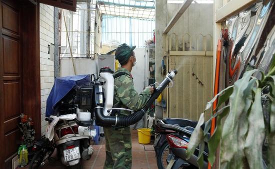 Cảnh báo đỏ về sốt xuất huyết tại 12/30 quận, huyện Hà Nội