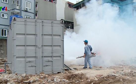 Phun thuốc diệt muỗi không ảnh hưởng tới sức khỏe