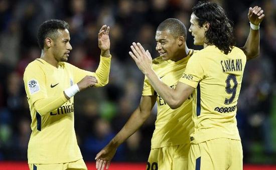 Mbappe, Neymar ghi bàn, PSG thắng đậm Metz