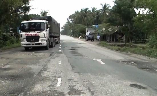 Quốc lộ 1 qua Sa Huỳnh, Quảng Ngãi vừa nâng cấp đã xuống cấp
