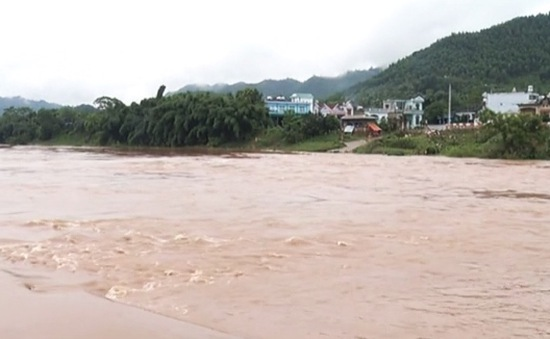 Mưa lũ khiến nhiều tỉnh phía Bắc bị ngập lụt, sạt lở
